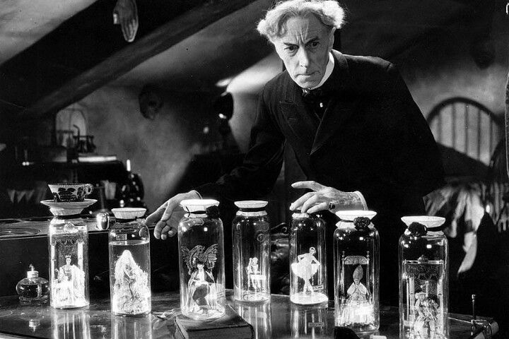 Dr. Pretorius (Ernest Thesiger) in Bride of Frankenstein (1935)